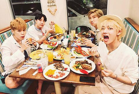 BTSのRM、J-HOPE、V、ジミンの画像
