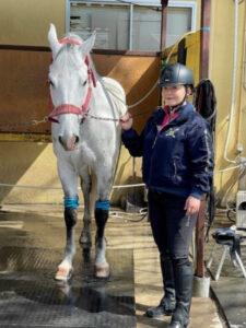 華原朋美の馬との画像