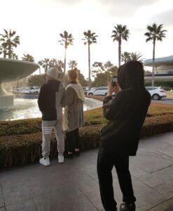 ジョングクと両親の画像