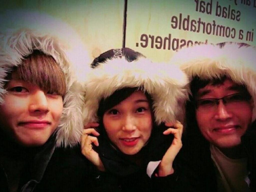 BTSのテテと両親の画像