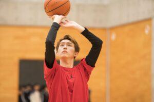 杉野遥亮のバスケ姿の画像
