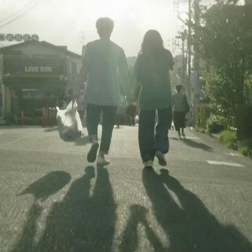 坂口健太郎と小松菜奈の画像
